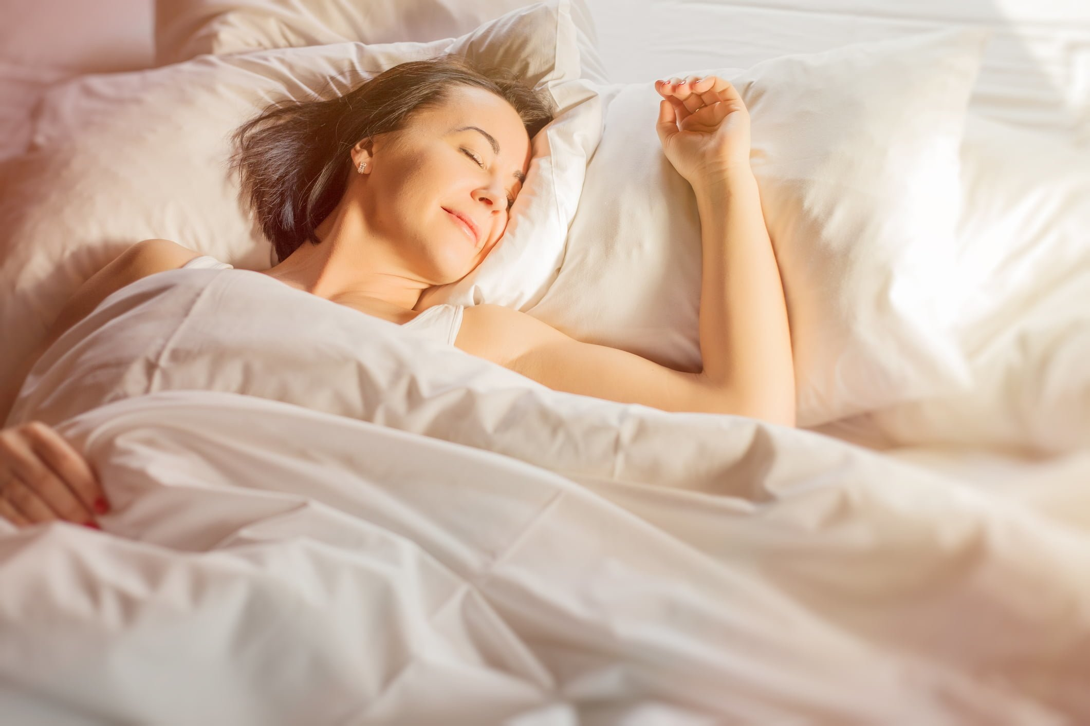 Is it Better to Sleep With or Without a Pillow?